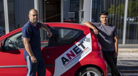 Gheorghe Grigoras y Charlie Iriarte, en el acceso a ANET