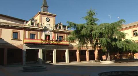 Luto en el madrileño municipio de Las Rozas en memoria de Ignacio Echeverría