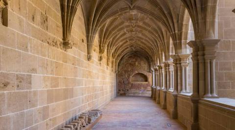 Imagen del claustro del monasterio de Fitero renovado.