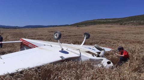 Dos heridos tras el aterrizaje de emergencia de su avioneta en Aibar