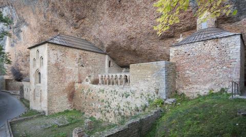 Real Monasterio de San Juan de la Peña, situado en Botaya.