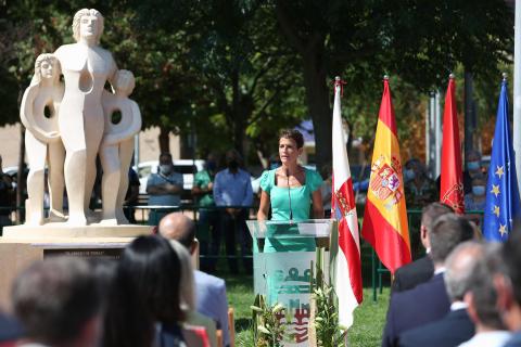 """Acto de inauguración de la escultura 'El abrazo de Tudela""""'"""