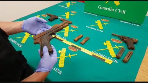 Encontradas cuatro pistolas de la Guerra Civil en el río Bidasoa