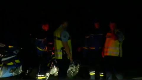 Una menor ha muerto tras empotrarse un coche contra una pizzería en París