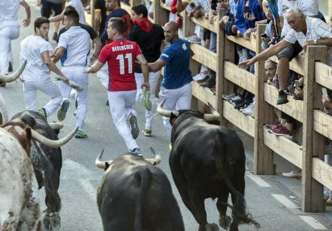 Segundo encierro de fiestas de Tafalla con la ganadería Macua 2017