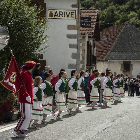 Imágenes de la celebración del Día de Aezkoa en Aribe.