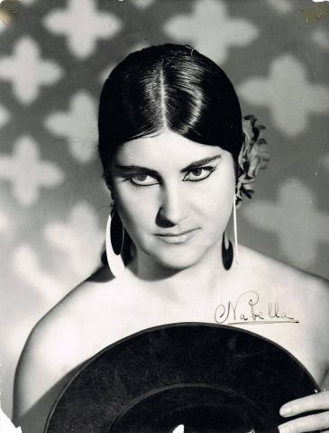 Fotos de Natividad Bella Esparza, raquetista profesional durante más de veinte años.