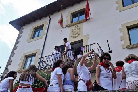 El chupinazo de este año estuvo marcado por el reconocimiento al grupo de auroros de la localidad
