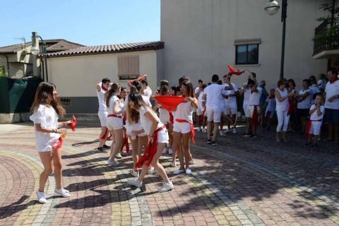 José Aristegui, María Isabel Amatriain, Miguel Ramírez y María Sagrario Vidaurreta lanzaron el cohete de Beriáin en nombre de los mayores de la localidad. Las fiestas durarán hasta el domingo