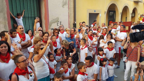 Imágenes sacadas a lo largo del Día del niño. Estas comprenden el balcón del ayuntamiento, la misa, marchando por la calle y con la banda.