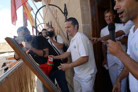 Fotos del cohete de fiestas de Mendigorría
