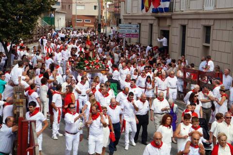 Procesión en honor a San Ireneo en el segundo día de las fiestas de Valtierra