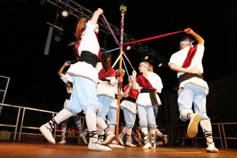 Imágenes del paloteado de las fiestas de San Bartolomé de Ribaforada 2018