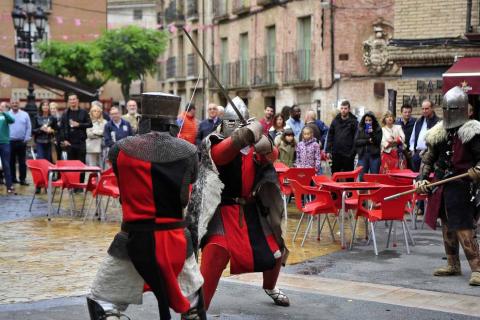 Fotos de la feria medieval y del caballo en Marcilla, con combates recreativos medievales y otras actividades.