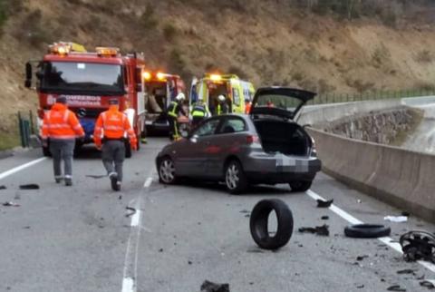 Un motorista de 39 años ha fallecido este lunes en un accidente de tráfico en el kilómetro 7,6 de la NA-2040, a la altura del pantano de Itoiz.