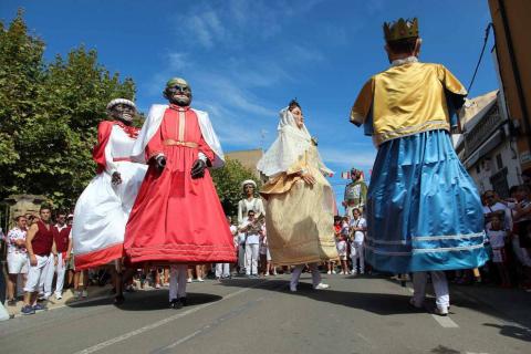 Fitero acoge su segunda gigantada con 13 figuras de Corella, Cintruénigo y Botarell