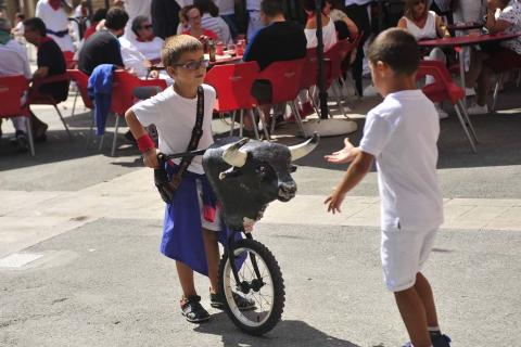 Galería de fotos del lanzamiento de 'rabiosa' de fiestas de Marcilla 2019