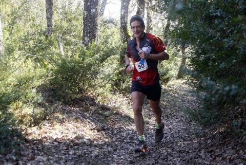 Galería de fotos de las carreras celebradas este domingo en las que se han impuesto Ander de Luis y Onditz Iturbe, en los 21 kilómetros, Xabier Macias e Idoia Maritxalar, en los 10