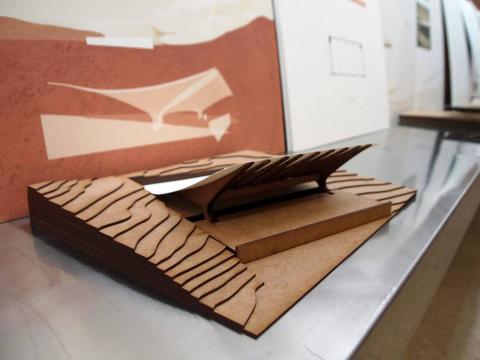 Una parte de estos trabajos, realizados en los últimos meses por alumnos de 2º curso del Grado en Estudios de Arquitectura de la Universidad de Navarra, se exponen en la Escuela de Arquitectura.