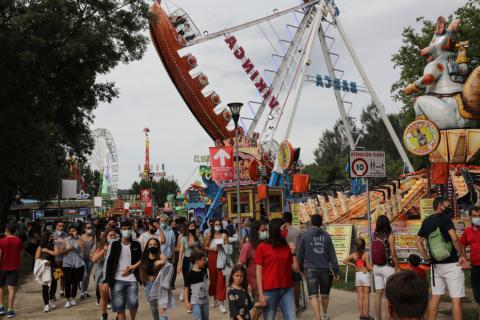 Todas las fotos de la apertura del recinto ferial en el parque de la Runa, en la Rochapea, este viernes