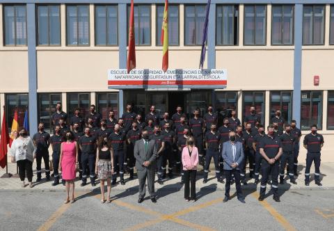 Foto de grupo en la clausura del curso en las instalaciones de la Escuela de Seguridad y Emergencias de Navarra