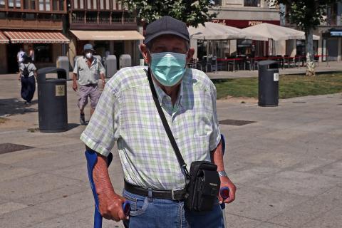 Pamploneses pasan calor en verano con 37 grados y la obligación de llevar mascarilla