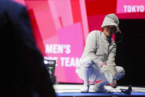 El participante de Corea del Sur de esgrima
