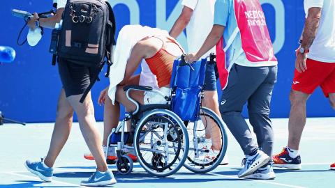 Paula Badosa abandona su encuentro de tenis