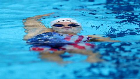 Nadadora americana durante una prueba