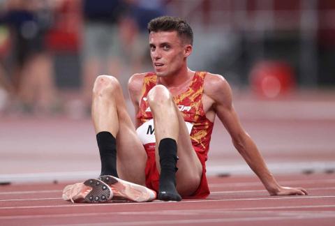 El atleta español Carlos Mayo tras finalizar el 10.000