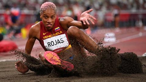 La venezolana Yulimar Rojas en su salto de triple