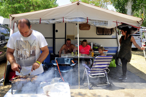 A* Jesús Garzaron F* 2021_07_26 T* Vuelve el Verano L* Camping Etxarri
