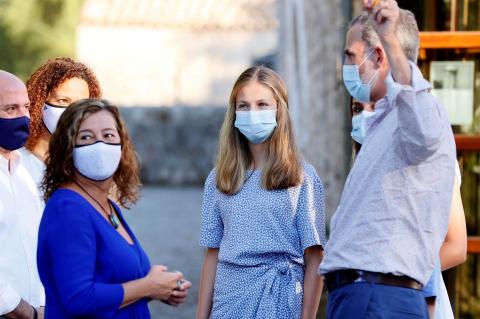 Don Felipe, doña Letizia y las infantas visitaron el centro de interpretación de la Sierra de Tramuntana, en Mallorca