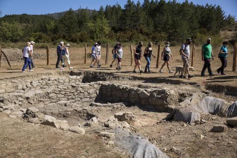 Excavaciones en Arce
