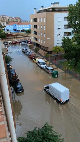 La calle Sánchez Abarca de Tudela, inundada.