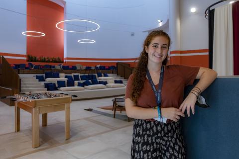 La valenciana Ángela Hernández Morey, de 17 años, en la Residencia Livensa Living.