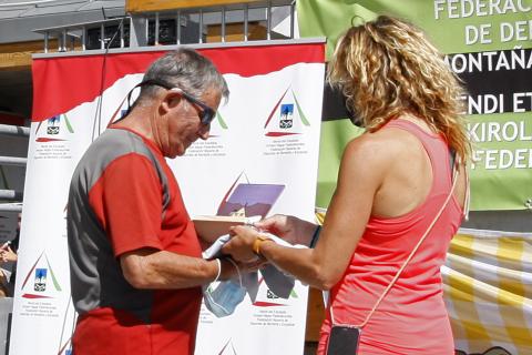 Marchar por el 50 aniversario de la inauguración del refugio Ángel Olorón de Belagua