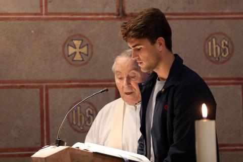 Visita de Osasuna a Javier y ofrenda floral al santo.