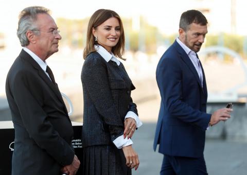 Primera jornada de Zinemaldia 2021 con la presencia, entre otros, de Antronio Banderas, Penélope Cruz, Marion Cotillard e Icíar Bollaín