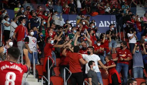 Fotos del Osasuna-Betis disputado en El Sadar.