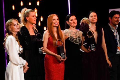 Asistentes y premiados en la gala de ceremonia de clausura del 69 Festival de Cine de San Sebastián