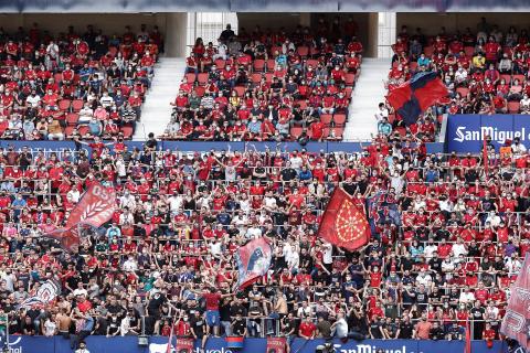 Fotos del partido Osasuna-Rayo Vallecano en El Sadar.