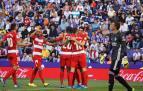 Un gol de Carlos Fernández permite al Granada seguir en lo alto de la clasificación