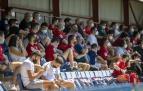 Parte del público en la grada de Tajonar, donde se congregaron 330 espectadores