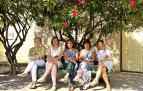 María Txus Gabari Olleta, Marisa Vallés Calvo, Angelina Lecumberr Sagüés, Ana Carmen Ortega Gabari y Ana Frago Gabari son integrantes de la junta de la Asociación de Mujeres El Cambio. Completan la junta, aunque no están en la imagen, Cristina Gárriz y Virginia Barrachina