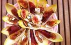 Ensalada de endivias con higos, cecina y gorgonzola