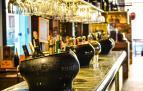 Imagen de archivo de una barra de un bar
