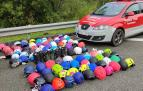 Policía Foral junto a los cascos robados