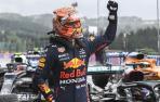 Max Verstappen, de Red Bull, celebra su primera posición
