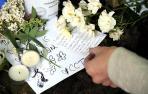 Los fans lloran la muerte de Amy Winehouse_28